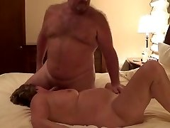 not daddy Otter Plows The Wife - I am at 2HOOK-UP.COM