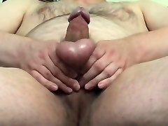 Small knob masturbation ans cumshot in the office
