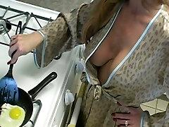 Sexy mature amateur housewife cuckold enjoy