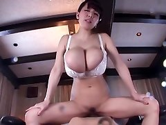 hitomi squirt