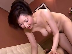 Hitomi Ohashi H Cup Beauty Jav Big Tits Mature Girl Av Actress Clad As A Mommy Of A Bar And Tempting Customers