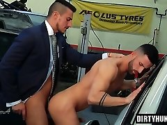 Muscle gay anal hookup with cumshot