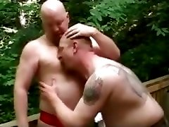 Outdoor gay bear love with Bubba part5