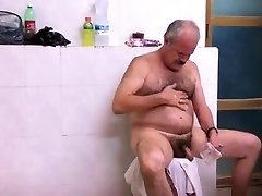 Str8 spy pakistani dad in public bath