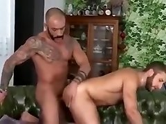 Flip Flop Fuck of muscle guys