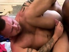 Athletic muscle hunk romping ass