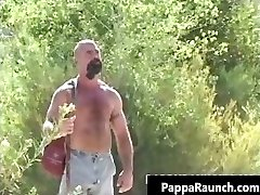 Muscled hunk gets amazing blowjob part3