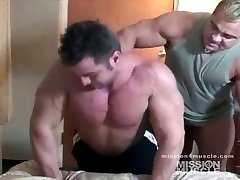 Massive Bodybuilder Nude Muscle Worship