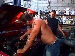 Garage muscle men butt plug