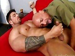 Grandpa fucks muscle hunk Zeb Atlas