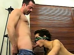 Anal gay Mike trusses up and blindfolds the youthful