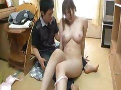 Japonų mergaitė gyvulių 39
