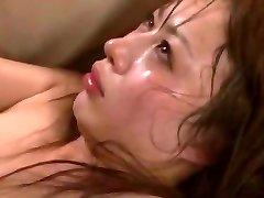 疯狂的日本女孩Mau森川在角质戴绿帽子下,钢棒熟视频