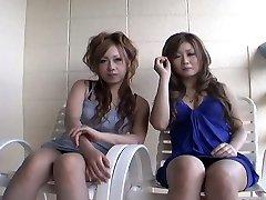 Две распутные телки японские Юрина Шихо и Хибики второй дает короткое интервью, прежде чем трахать друга