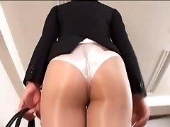 پستان بند در جوراب شلواری