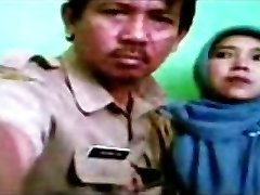 इंडोनेशियाई - bidan berjilbab