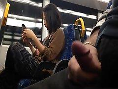 Flash Azijske Dekle na Vlak
