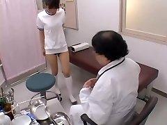 Azijske širokim s seksi joške dobi ji je figo prsti v seks film