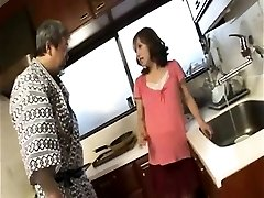 Horny pregnant housewife gives blowjob
