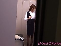 Solo japanese milf using massager to climax