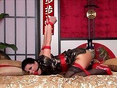 Kimono & Strappado Bondage in Bed