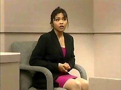 Teismo ir Mika Tan - Juokinga analinis dildo