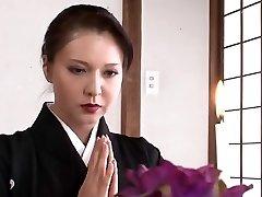 Skaista Japāņu māte, es gribētu izdrāzt