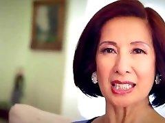 64 gadus vecais Milf Kim Anh runā par Anālo Seksu