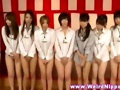 japanilainen babes kokoonpanolla ilman alushousuja