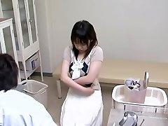 Gyno įtikino savo karšto pacientų mylėtis biure