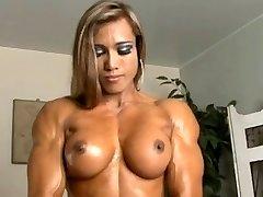 Taizemes Cāli ar muskuļiem