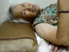 ķīniešu vecmāmiņa ar sāpīgu orgasma