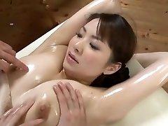 멋진 일본 모델 Yuna Aino 에 흥분한 커플,마사지 JAV 현장