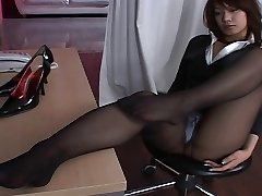 Asian Stocking Upskirt