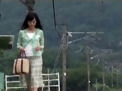 Japanese Mother Was Surprised With Guy's In  The Travel
