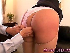 Squirting sex industry star Hana Haruna gets spanked