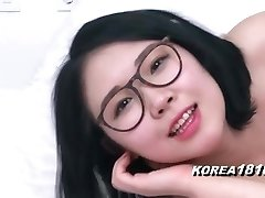 KOREA1818.COM - Magnificent Glasses Korean Babe!