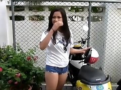 cool thaibabe in hot pants