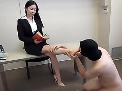 siren thorn feet wank with cumshot all over toes