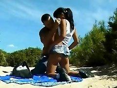 الشاطئ عارية - صغيرة الثدي الآسيوية Analized &أمبير ؛ CIM الوجه