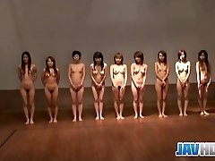 Nude Japanese chicks