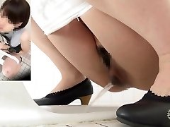 Spy camera clear sound urinating