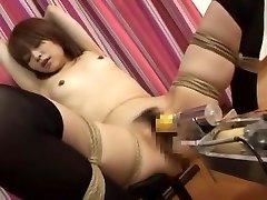 لا يصدق اليابانية الفرخ ميو سوغيورا في رائعة صغيرة الثدي, سخيف آلات JAV كليب