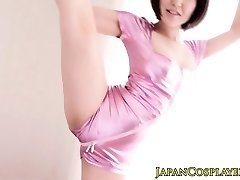 Flexible japanese babe stimulated with toys