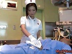 Emi Harukaze ممرضة في محنة