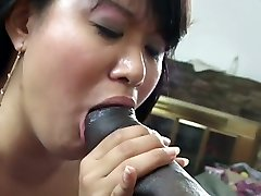 Chubby Chinese lady Runa Hayama is affected with the size of BBC