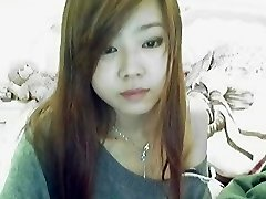 china gute girl on webcam flash for her boyfriend