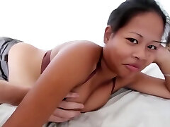 Chubby amateur Asian gets screwed by whore monger