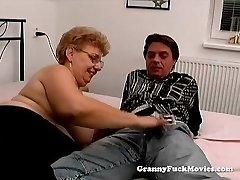 A fat grannie has sex