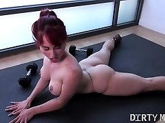 Nude Fit Yoga Professor Plays With Her Asshole